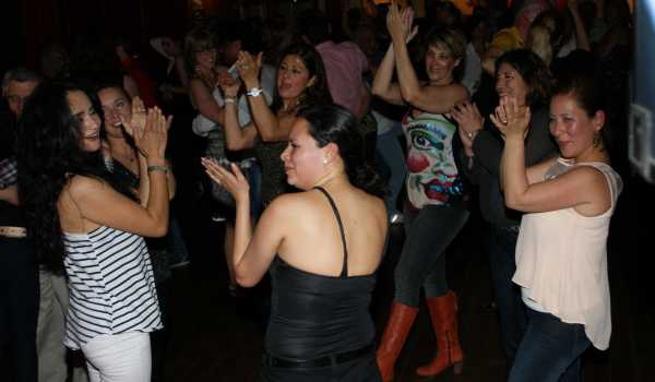 Saturday Salsa Party @artcafé SamSam, Apeldoorn